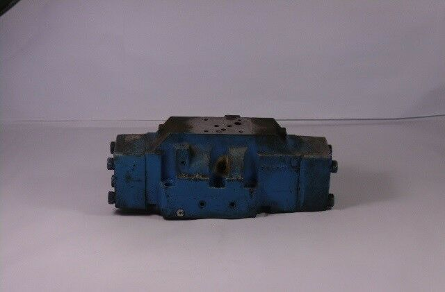 Vickers Directional Control Valve  AS IS