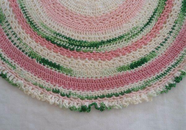 Vintage Pink Green Crochet Lace Oval Tray Doily Centerpiece Pastel Ruffle