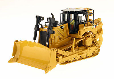 Die cast Masters Caterpillar D8T Dozer 1/50 85299 NEW High Line Series for sale  East Moline