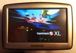 Tom Tom Gps with built in windshield mount
