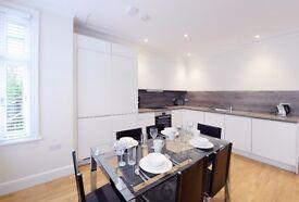2 bedroom flat in Hamlet Gardens Hamlet Gardens, Kensington, W6