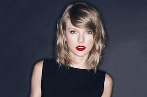 Taylor Swift - Center Stage - Floor - Row 1 (FACE VALUE)