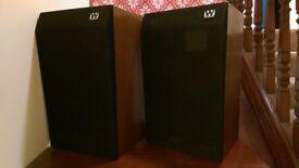 Pair of Vintage Wharfedale Teesdale SP2 Speakers