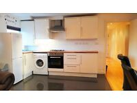 2 Bed Flat Available in South Wimbledon Great Location !!!