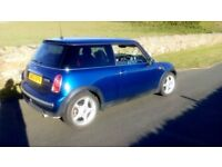 2003 Mini Cooper One. Good condition Nice car