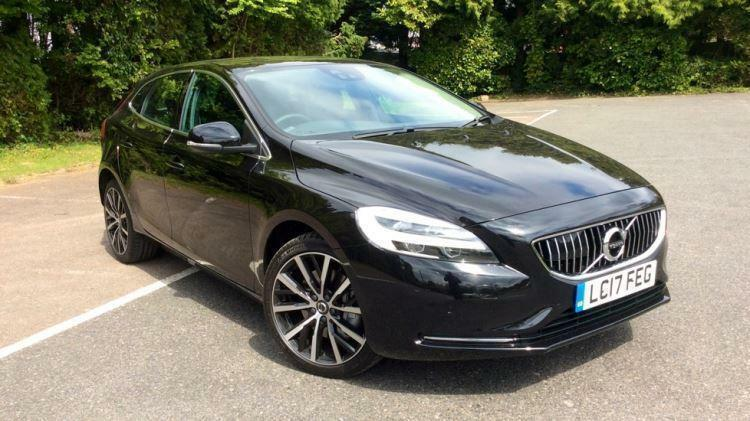2017 volvo v40 d3 150hp euro 6 inscription au automatic diesel hatchback in horley surrey. Black Bedroom Furniture Sets. Home Design Ideas