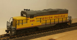 HO Walthers EMD GP9M Union Pacific #289