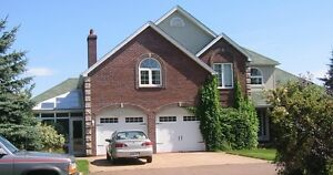 SHARE THIS EXECUTIVE HOME 10 MINUTES DRIVE TO DOWNTOWN MONCTON