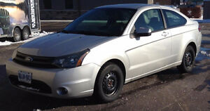 2009 Ford Focus Coupe (2 door)