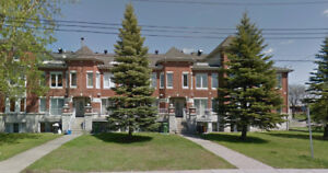 Large (3 1/2) 1-bedroom condo on two floors - Dorval
