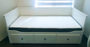 IKEA HEMNES Daybed frame with 3 drawers + MORGEDAL mattress