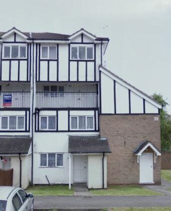 REGIONAL HOMES ARE PLEASED TO OFFER: 3 BEDROOM DUPLEX FLAT, SCRIBBANS CLOSE, SMETHWICK!!!