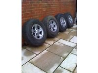 LANDROVER DEFENDER 200 300 TD5 DISCOVERY SET OF BOOST ALLOY WHEELS WITH TYRES