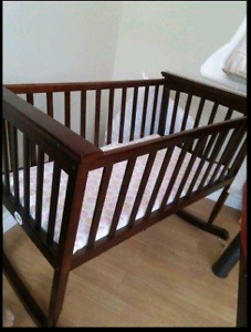 Cradle / bassinet