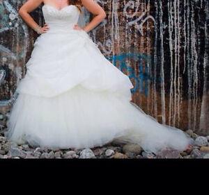 Wedding dress/items - beach/royal blue theme  Cornwall Ontario image 5