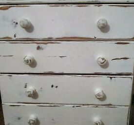Solid Pine Distressed Painted White Five Draw Chest of Draws