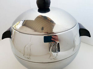 West Bend Aluminum Stainless Steel and Bakelite Penguin hot cold