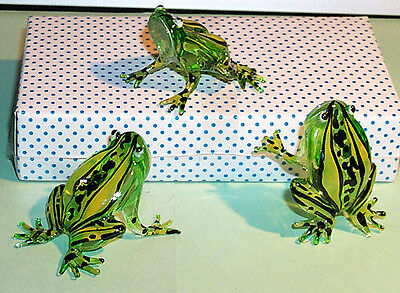 FROG ARTGLASS L size FIGURINE GREEN BODY color highlights on back 1 pc. only