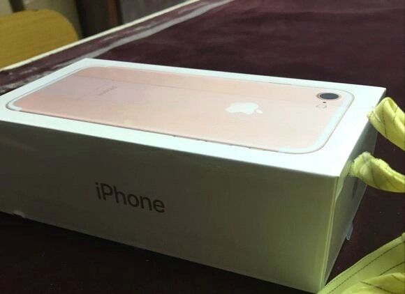 iPhone 7,32gb,rose gold Voda and Lebara BrandNew,sealed,full Apple warranty