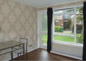 1 Bedroom Flat Could be used as a small 2 bed room flay
