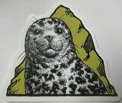 SMUTTYNOSE BREWING COMPANY Beer STICKER w/ Seal, Portsmouth, NEW HAMPSHIRE label