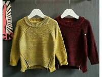 Thick Jumper Knitted with Zip Detail