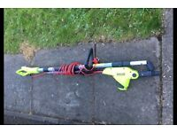 Garden Gear Telescopic Electric Hedge Trimmer used once w shoulder strap D7490