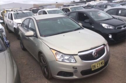 Holden Cruze 2010 wrecking all parts available