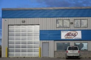 5000 Square foot building for rent w/ drive thru bay