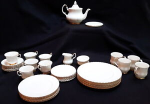 Royal Albert Val d'Or Set for 6 with extras, EXCEPTIONALLY PRICE
