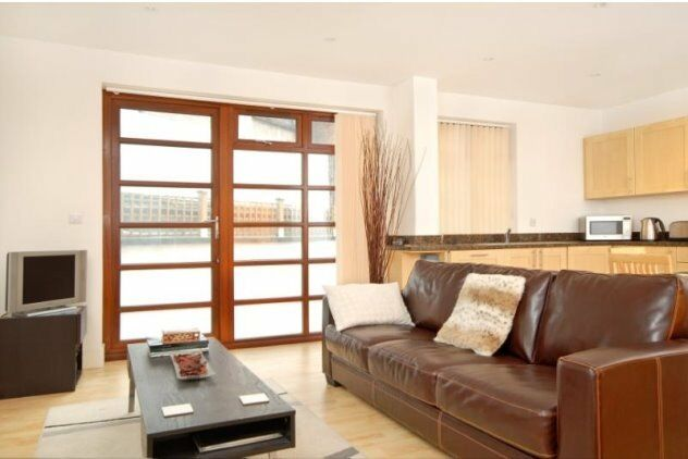 VACANT - FURNISHED 2 BEDROOM APARTMENT IN ALDGATE THE CITY E1 AVAILABLE NOW! ONLY 440pw SHOREDITCH