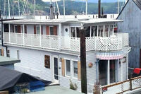 Float Home in Cowichan Bay