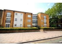Amazing two bedroom ground floor flat in Stratford in E15