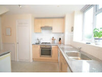 Colliers Wood/Sth Wimbledon Tubes Zone 3, 7 mins walk, 3 bed maisonette all mod cons end of terrace