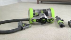 Hoover vacuum LIKE NEW