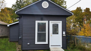 1+ BDRM HOUSE - FULLY REMODELLED – NEWER STAINLESS STEEL APPL.