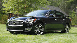 2016 Infiniti Noire et chrome Berline Model Q70L