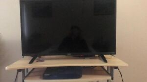 """32"""" tv with blu ray player"""