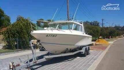 Caribbean Crusader 23.5 boat