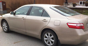 2007 Toyota Camry LE ,4 cylinder, very clean and excellent condi