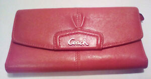 COACH: Ashley Leather Wallet