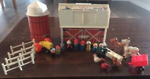 Vintage Fisher Price Little People FARM Barn PLAY SET #915