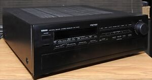 Yamaha RX V1070 5.1 Channel 550 Watt Receiver with remote