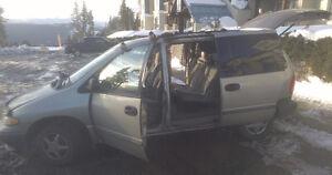 2000 Dodge Caravan Minivan, Van Comox / Courtenay / Cumberland Comox Valley Area image 3