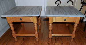 2 Solid Oak Side Tables w Drawers