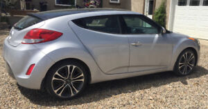 2012 Hyundai Veloster, in great condition!