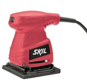 SKIL 1/4 Sheet Palm Sander features a 1.8 A