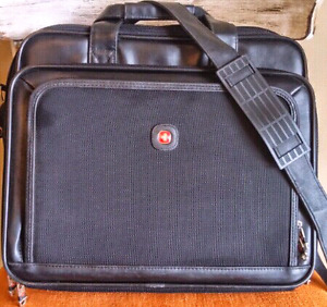 Wenger 17 inch Laptop Carrying Case