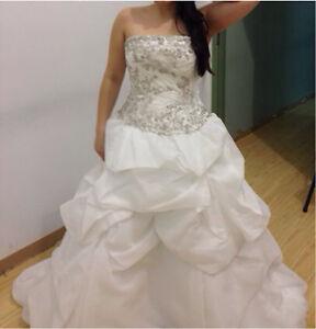Jai wedding dress
