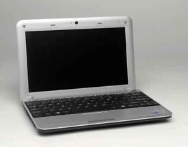 (no texts )Advent 4211 netbook 10 inch screen , laptop , spares or repair